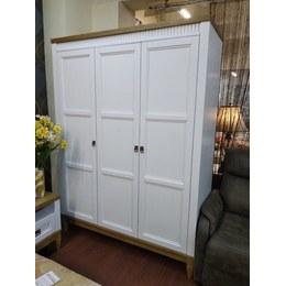 Шкаф 3-х дверный Бавария 3Д